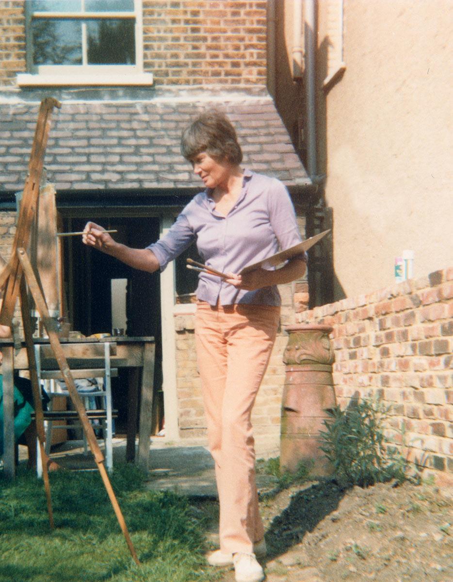 Sheila painting in her garden in London in 1982